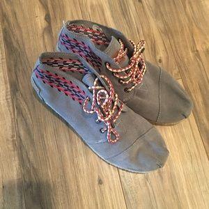 Toms Shoes Women's Size 8